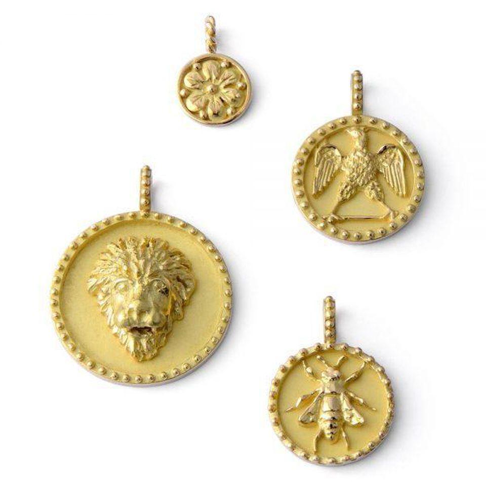 W kolorze złota- biżuteria Paryża w pięciu odsłonach
