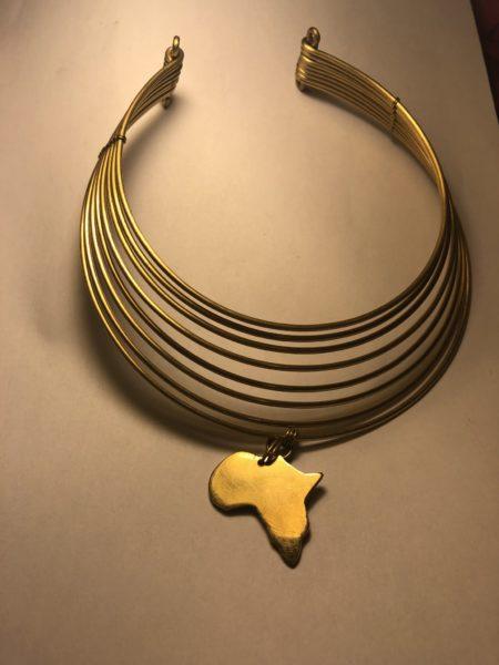 Naszyjnik z zawieszką w kształcie Afryki