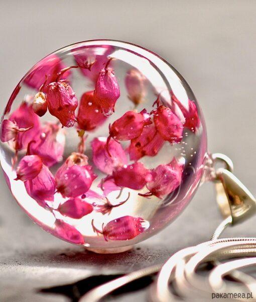 Naszyjnik z kwiatkami wrzośca