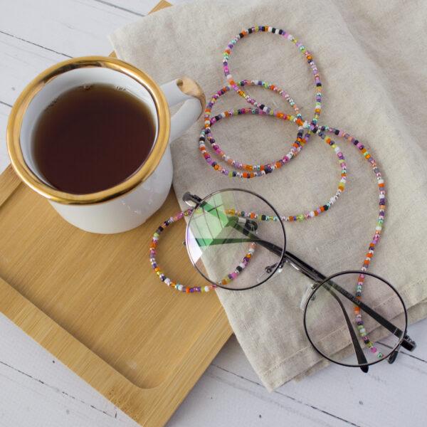 Łańcuszek do okularów z drobnych koralików szklanych
