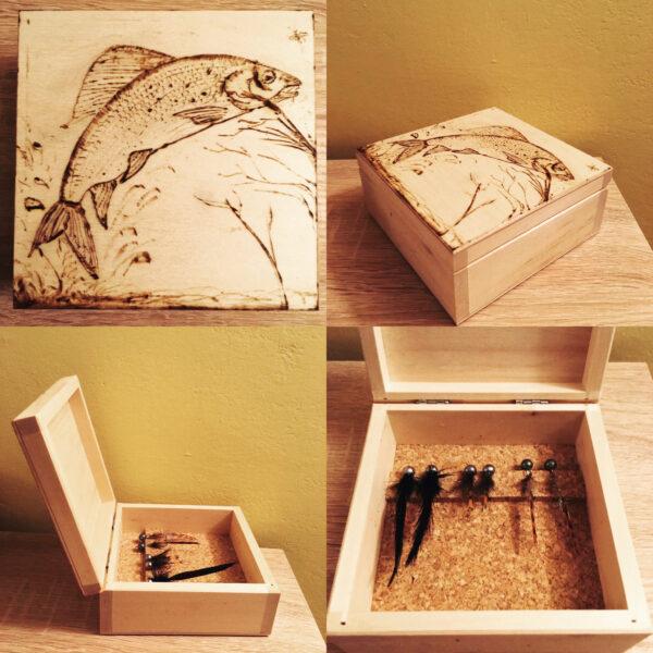 Pudełko wypalane z ręcznie robionymi przynętami na ryby