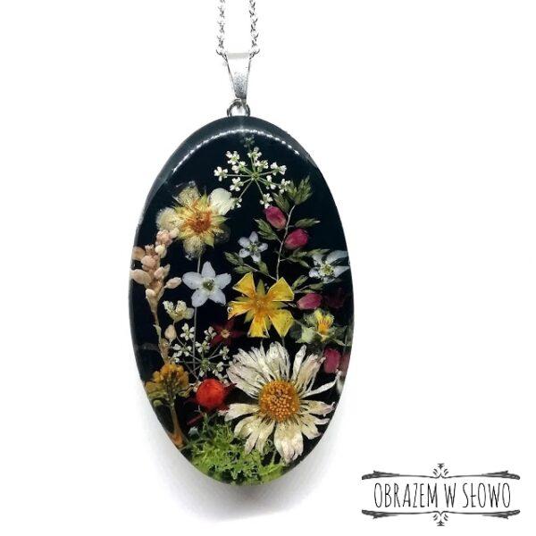 Naszyjnik z suszonych kwiatków