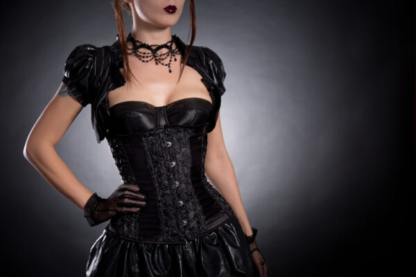 Biżuteria w stylu gotyckim, wiktoriańskim