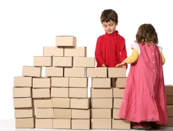 Zabawy dla dzieci - klocki z kartonów