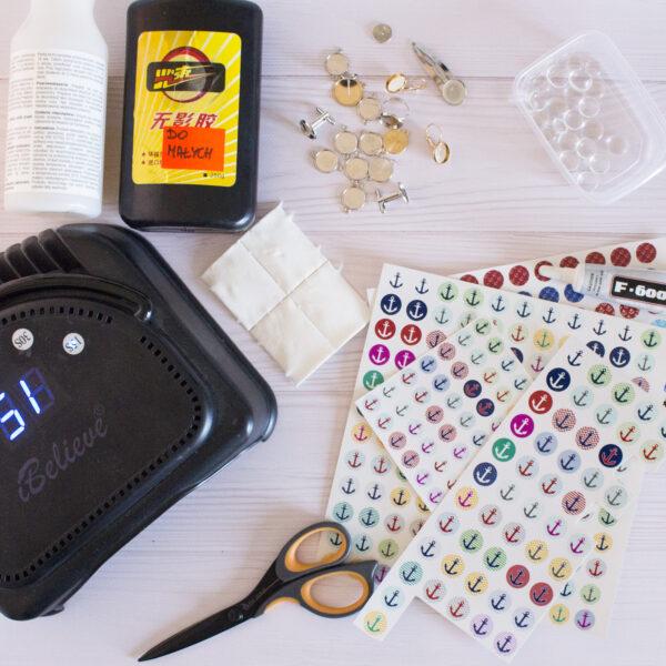 Wybór niezbędnych półfabrykatów i narzędzi - instrukcja wklejania kaboszonu