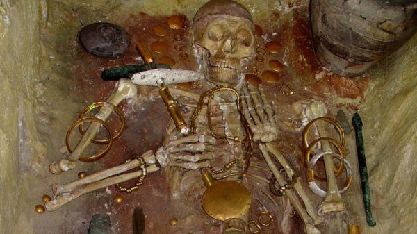Bogactwa z Warny - najstarsza biżuteria ze złota