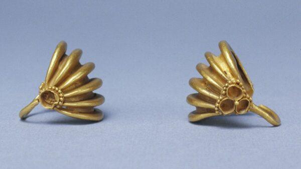 Mezopotamskie metalowe ozdoby do włosów