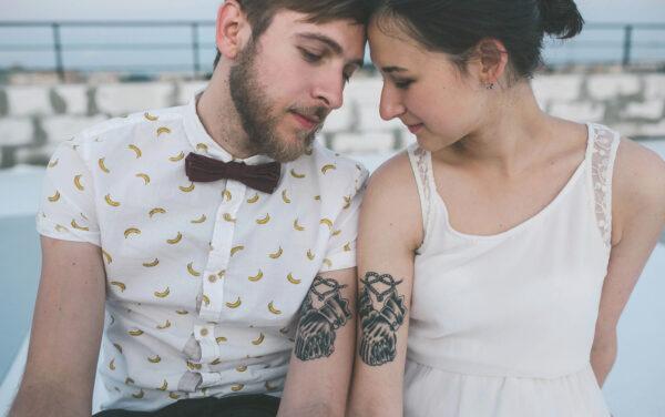 Potraktujcie skórzaną rocznicę alternatywnie i zróbcie sobie wspólne tatuaże.