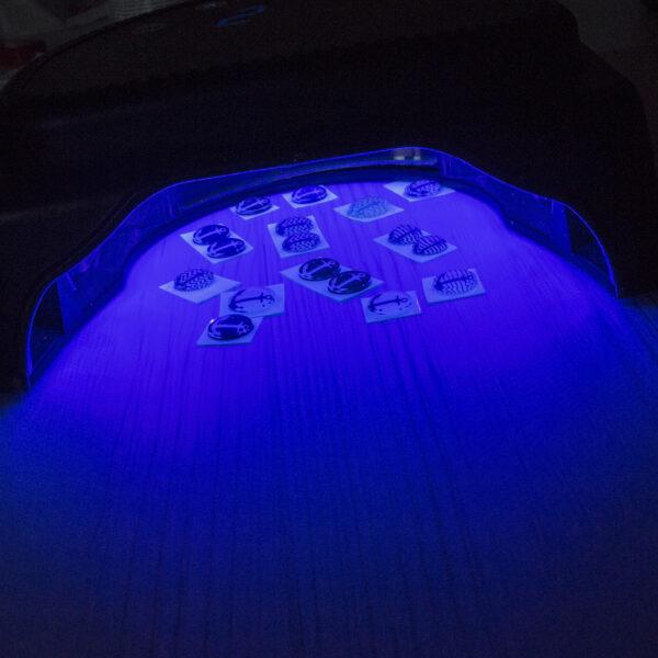 Klejenie za pomocą lampy UV - instrukcja wklejania kaboszonu