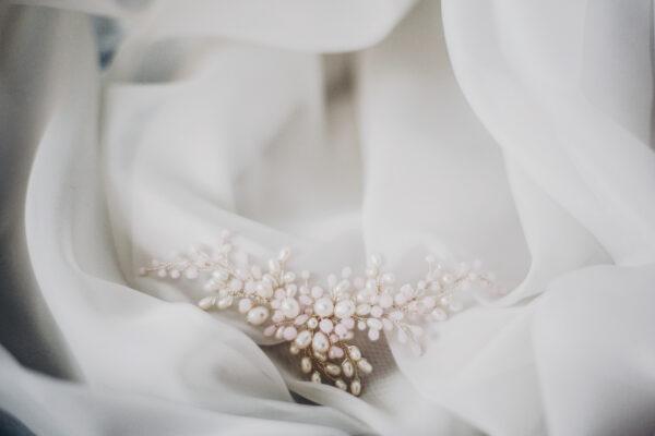 Ślubna ozdoba do włosów z perłami