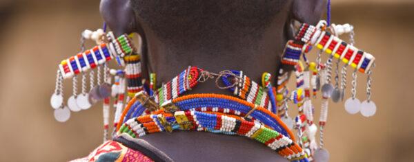 Niezwykle bogata i kolorowa biżuteria masajów