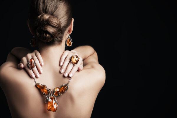 Biżuteria z bursztynami