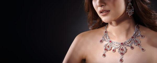 Komplet biżuterii z rubinami