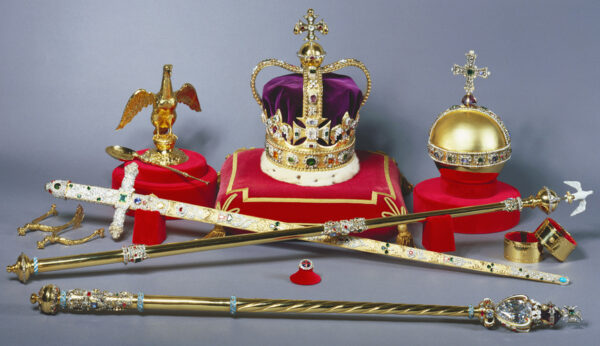 Najpiękniejsze korony i berła - brytyjskie insygnia koronacyjne