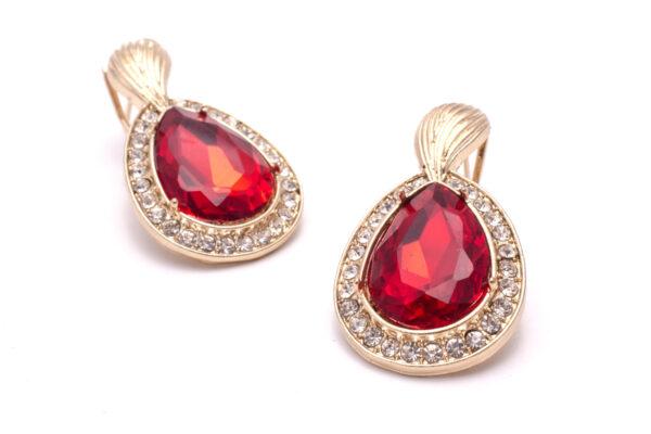 Kolczyki z rubinami w kształcie łezki