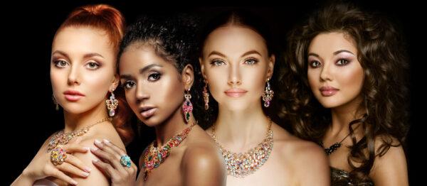 Makijaż i biżuteria w stylu glamour