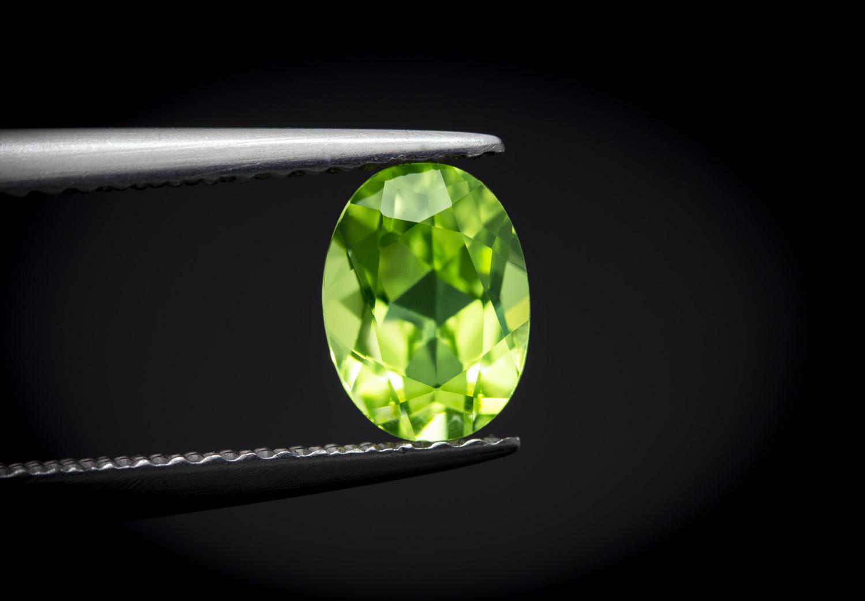 Peridot – kosmicznie piękny zielony kamień 👽