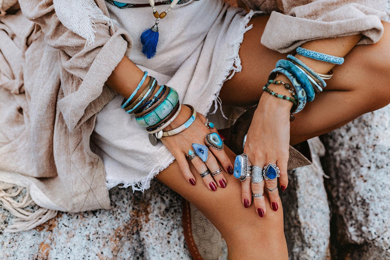 Biżuteria boho – połączenie wolności i piękna ?