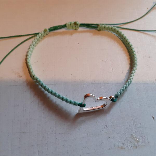 Zielona bransoletka z sercem
