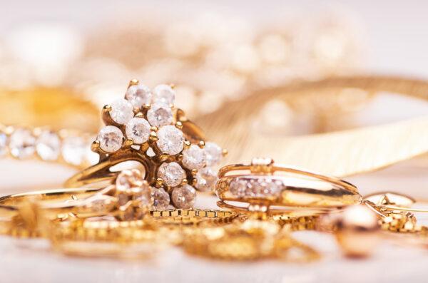 Biżuteria w stylu secesyjnym