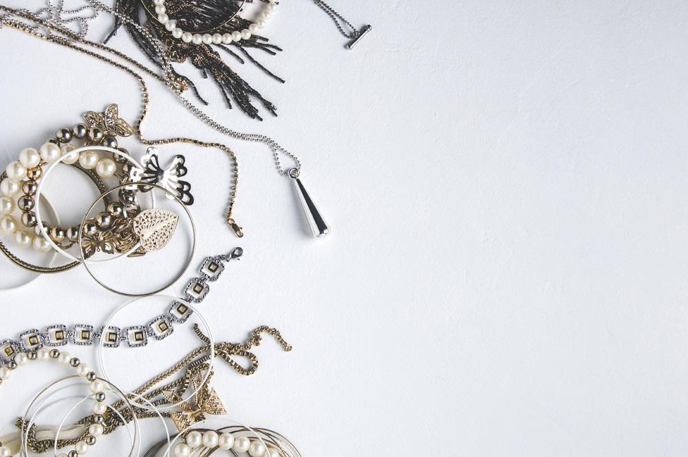 Biżuteria Retro – kreatywność w trudnych czasach  💎