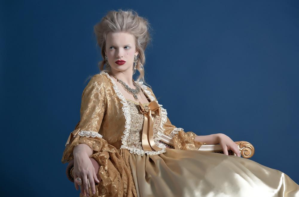 Biżuteria barokowa – kolorowa niczym paw