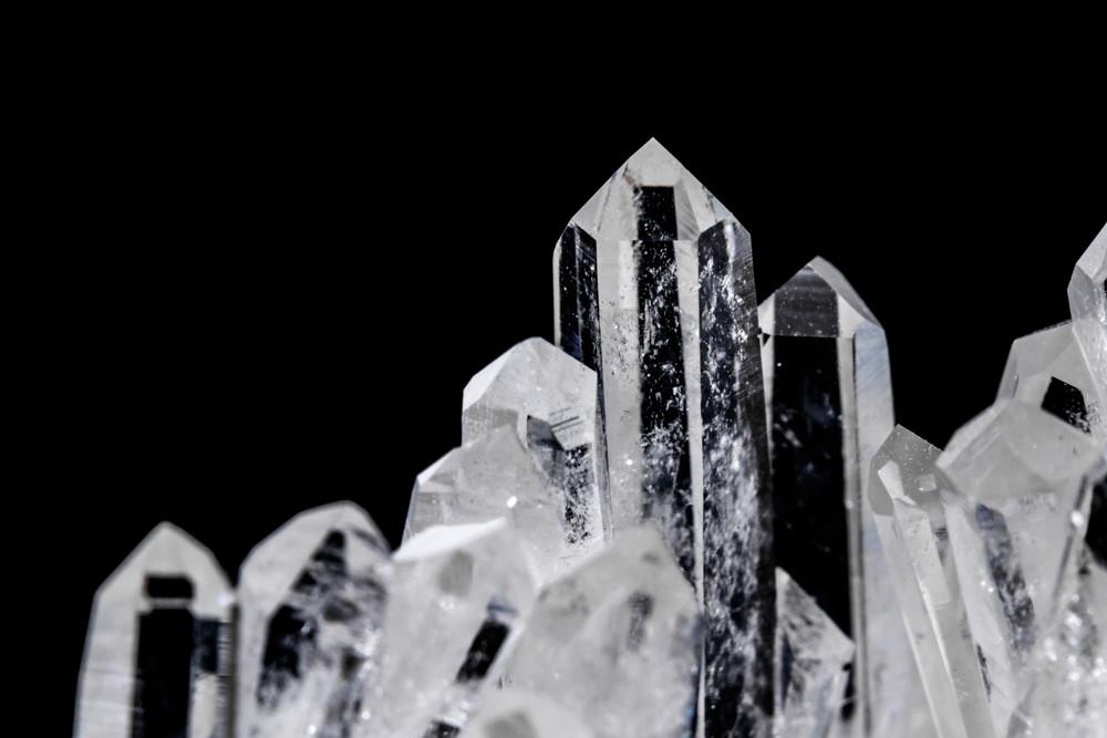 Kryształ górski – bryłka lodu zamknięta w kamieniu