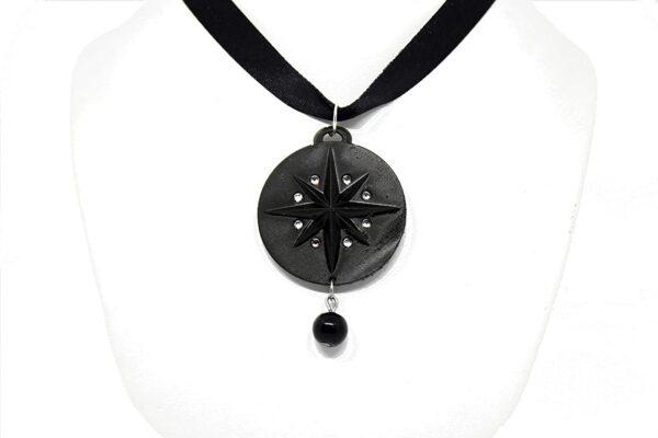 Medalion z czarną gwiazdą medalion Yennefer z Vangerbergu