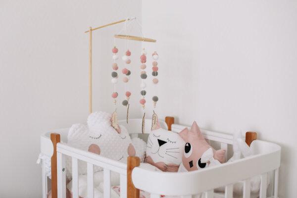 Karuzela nad łózeczko Montessori diy