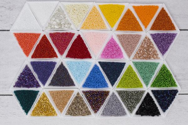 Koraliki TOHO różne wykończenia i kolory